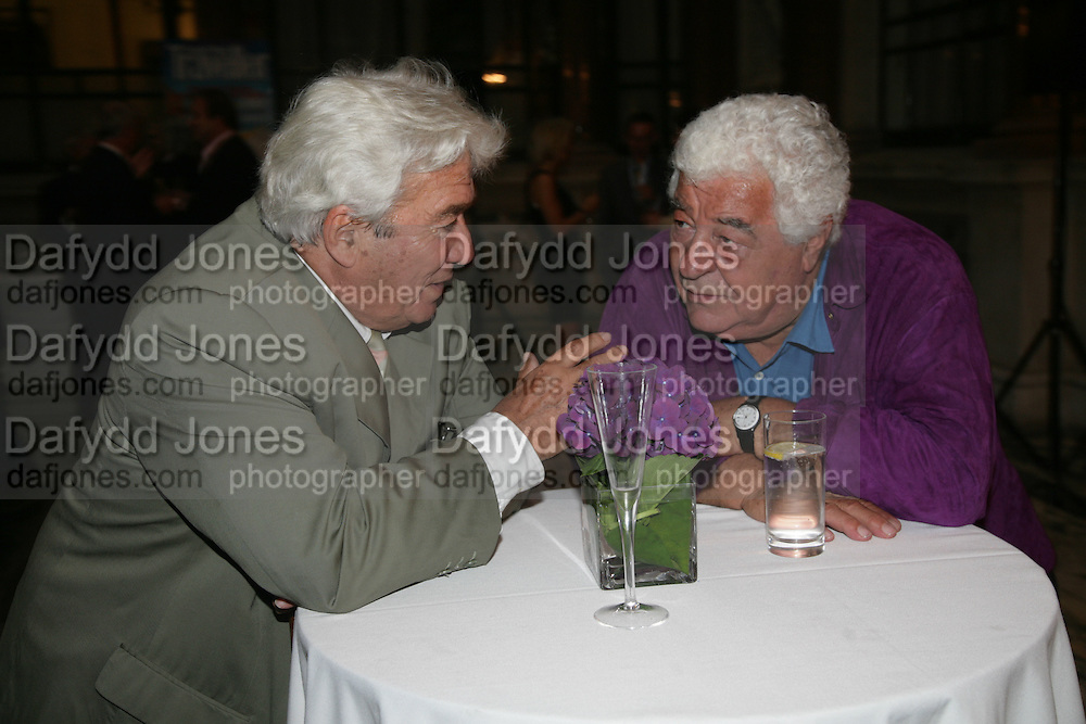 Rob Albert and Anton Mossiman, 10th Anniversary of Conde Nast Traveller magazine. Foreign and Comonwealth Office. Durbar Court. 10 September 2007. -DO NOT ARCHIVE-© Copyright Photograph by Dafydd Jones. 248 Clapham Rd. London SW9 0PZ. Tel 0207 820 0771. www.dafjones.com.