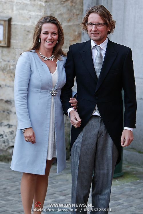 BEL/Brussel/20101120 - Huwelijk prinses Annemarie de Bourbon de Parme-Gualtherie van Weezel en bruidegom Carlos de Borbon de Parme, prins Bernhad en princess Annet Sekreve