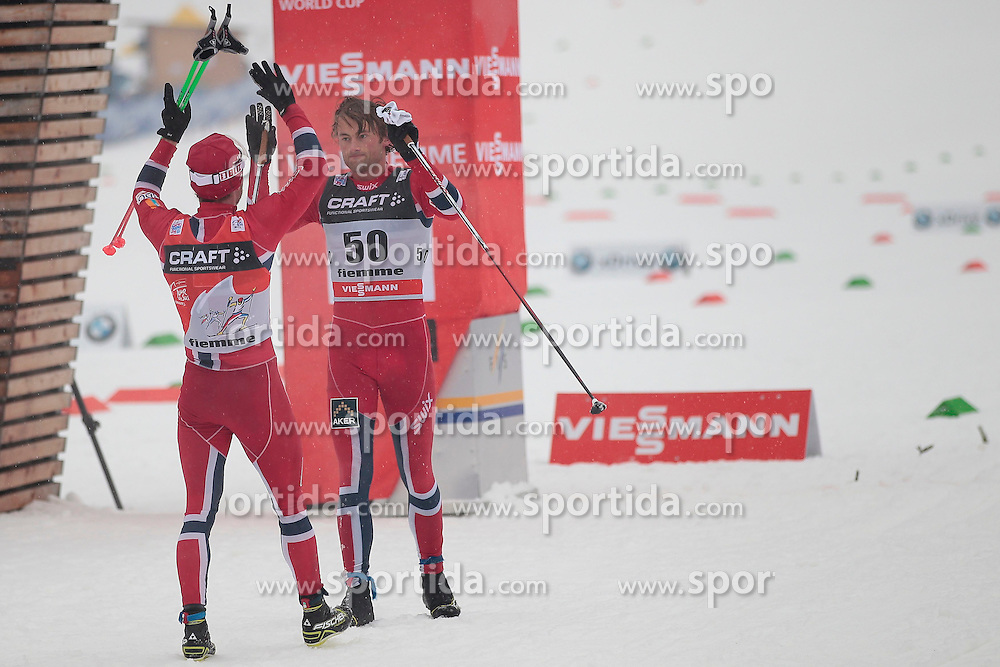 04.01.2014, Langlaufstadion, Lago di Tesero, ITA, FIS Langlauf Weltcup, Tour de Ski, Langlauf Herren, Individual Start 10Km, im Bild Northug Petter (NOR) & Sundby Martin (AUT) // during the Men 10 km Cross Country of the Tour de Ski 2014 of FIS Cross Country World Cup at the Cross Country Stadium, Lago di Tesero, Italy on 2014/01/04. EXPA Pictures  ©  2014, PhotoCredit: EXPA/ Federico Modica