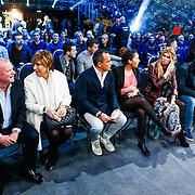 CRO/Zagreb/20130315- K1 WGP Finale Zagreb, Evert Santegoeds, moeder Branca Lokas, Robert halewijn, dochter Joelle, Estelle Cruijff en een vriend
