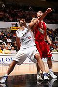 DESCRIZIONE : Bologna Eurolega 2007-08 VidiVici Virtus Bologna Olympiacos Pireo <br /> GIOCATORE : Roberto Chiacig <br /> SQUADRA : Olympiacos Pireo <br /> EVENTO : Eurolega 2007-2008 <br /> GARA : VidiVici Virtus Bologna Olympiacos Pireo <br /> DATA : 03/01/2008 <br /> CATEGORIA : Rimbalzo <br /> SPORT : Pallacanestro <br /> AUTORE : Agenzia Ciamillo-Castoria/S.Silvestri