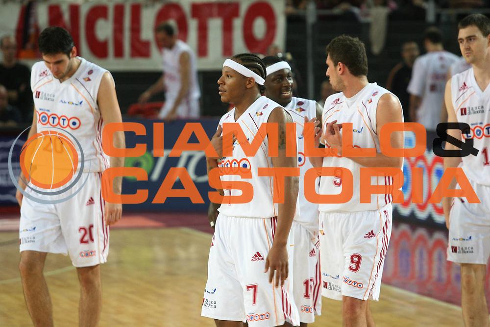 DESCRIZIONE : Roma Lega A1 2006-07 Playoff Quarti di Finale Gara 1 Lottomatica Virtus Roma Eldo Napoli<br />GIOCATORE : Team Lottomatica Virtus Roma Hawkins<br />SQUADRA : Lottomatica Virtus Roma<br />EVENTO : Campionato Lega A1 2006-2007 Playoff Quarti di Finale Gara 1 <br />GARA : Lottomatica Virtus Roma Eldo Napoli<br />DATA : 16/05/2007 <br />CATEGORIA : Ritratto<br />SPORT : Pallacanestro <br />AUTORE : Agenzia Ciamillo-Castoria/G.Ciamillo
