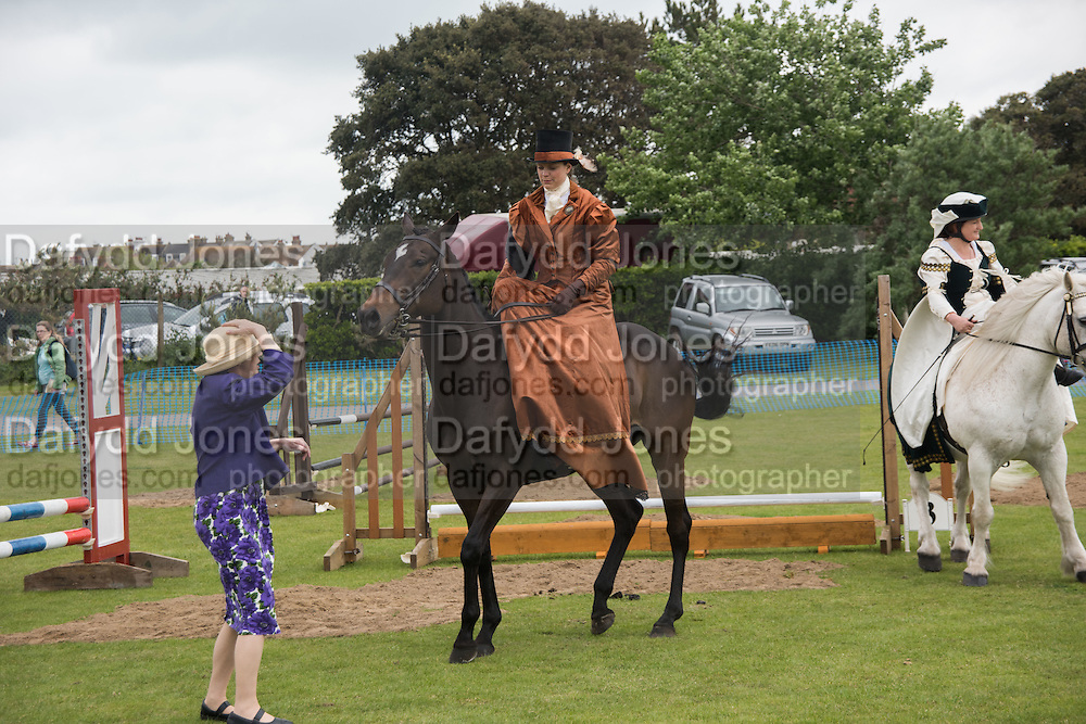NICOLA WATSON, BEING JUDGED BY MRS. SADLER, Bexhill Horse show. Polegrove, Bexhill on Sea. 29 May 2016