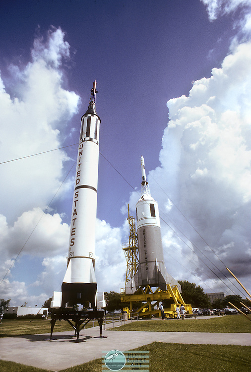 1989-rocket park-little joe-left-red stone-right