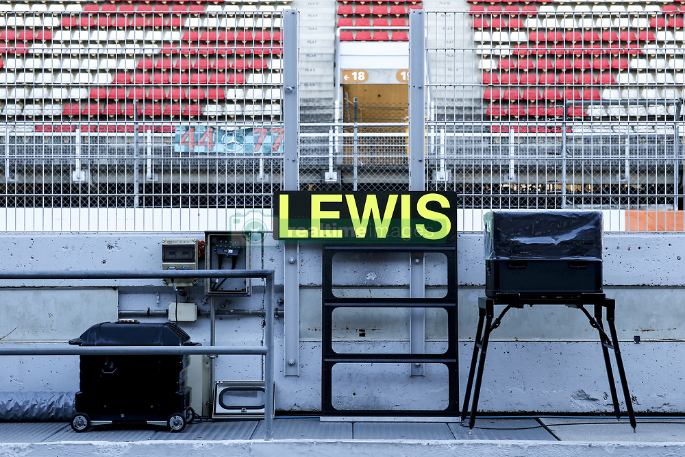 March 9, 2018 - Barcelona, Spain - Motorsports: FIA Formula One World Championship 2018, Test in Barcelona, Lewis (GBR, Mercedes AMG Petronas F1 Team) (Credit Image: © Hoch Zwei via ZUMA Wire)