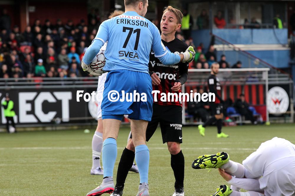 9.4.2016, Myyrm&auml;en jalkapallostadion, Vantaa.<br /> Veikkausliiga 2016.<br /> Pallokerho-35 Vantaa - Helsingfors IFK.<br /> Lucas L&oacute;pez Garc&iacute;a (PK-35) v Carljohan Eriksson (HIFK).