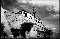 "Black and White photos about the childrens life in Cuba. From the ""Niños en Plata"" photo essay."
