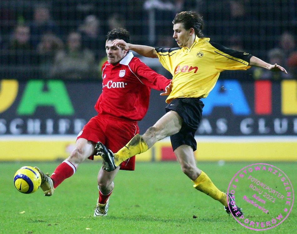 v.l. Willy Sagnol, Ebi Smolarek Dortmund..Fussball Bundesliga Borussia Dortmund - FC Bayern Muenchen 1:2..FOT. WITTERS/WROFOTO