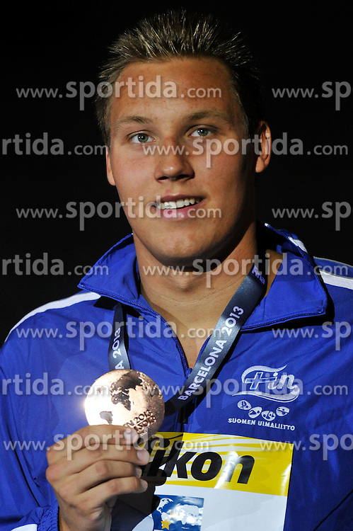 02.08.2013, Barcelona, ESP, FINA, Weltmeisterschaften f&uuml;r Wassersport, Medailliengewinner, im Bild Matti Mattsson, bronze medal from Finland at 200m Breastrocke Men Finalist Victory Ceremony // during the FINA worldchampionship of waterpolo, medalists in Barcelona, Spain on 2013/08/02. EXPA Pictures &copy; 2013, PhotoCredit: EXPA/ Pixsell/ HaloPix<br /> <br /> ***** ATTENTION - for AUT, SLO, SUI, ITA, FRA only *****