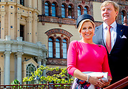 King Willem-Alexander and Queen Maxima of The Netherlands visit Schloss Swerin, Germany, 20 May 2019. The Dutch King and Queen bring an three day work visit to German states Mecklenburg-Vorpommern and Brandenburg. robin utrecht