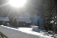 Valle di Mocheni,inverno con baite e sci alpinismo, Palù del Fersina,gennaio 2010 © foto Daniele Mosna