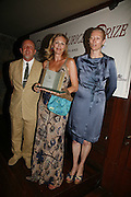 TIM LOTT, LOUISE DEAN winner of the prize and Tilda Swinto. LE PRINCE MAURICE PRIZE 2006. PRINCE MAURICE HOTEL. MAURITIUS. 27 May 2006. ONE TIME USE ONLY - DO NOT ARCHIVE  © Copyright Photograph by Dafydd Jones 66 Stockwell Park Rd. London SW9 0DA Tel 020 7733 0108 www.dafjones.com