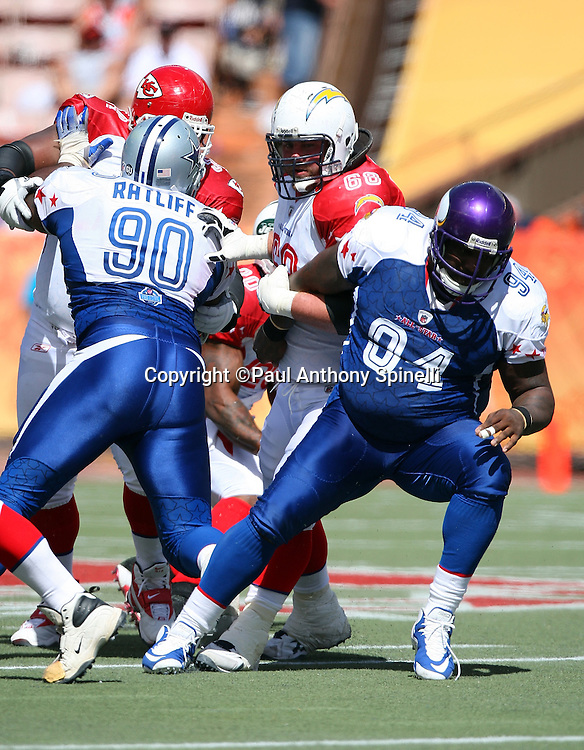 HONOLULU, HI - FEBRUARY 08: NFC All-Stars defensive tackle Pat Williams #94 of the Minnesota Vikings tries to work around a block by AFC All-Stars guard Kris Dielman #68 of the San Diego Chargers in the 2009 NFL Pro Bowl at Aloha Stadium on February 8, 2009 in Honolulu, Hawaii. The NFC defeated the AFC 30-21. ©Paul Anthony Spinelli *** Local Caption *** Pat Williams;Kris Dielman
