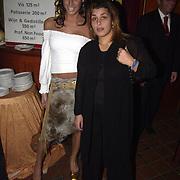 Uitreiking populariteitsprijs 2002, Kelly van der Veer en Mila