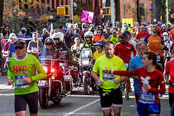 06-11-2016 USA: NYC Marathon We Run 2 Change Diabetes day 3, New York<br /> De dag van de marathon, 42 km en 195 meter door de straten van Staten Island, Brooklyn, Queens, The Bronx en Manhattan / Police, Politie, beveiliging