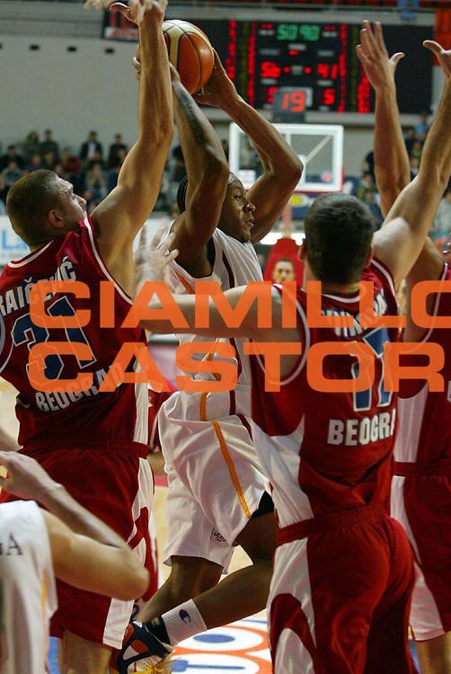 DESCRIZIONE : Roma Uleb Cup 2005-06 Lottomatica Virtus Roma Stella Rossa Belgrado<br /> GIOCATORE : Hawkins<br /> SQUADRA : Lottomatica Virtus Roma<br /> EVENTO : Uleb Cup 2005-2006<br /> GARA : Lottomatica Virtus Roma Stella Rossa Belgrado<br /> DATA : 10/01/2006<br /> CATEGORIA : Rimbalzo<br /> SPORT : Pallacanestro<br /> AUTORE : Agenzia Ciamillo&amp;Castoria/G.Ciamillo<br /> Galleria : Uleb Cup 2005-2006<br /> Fotonotizia : Roma Uleb Cup 2005-06 Lottomatica Virtus Stella Rossa Belgrado<br /> Predefinita :