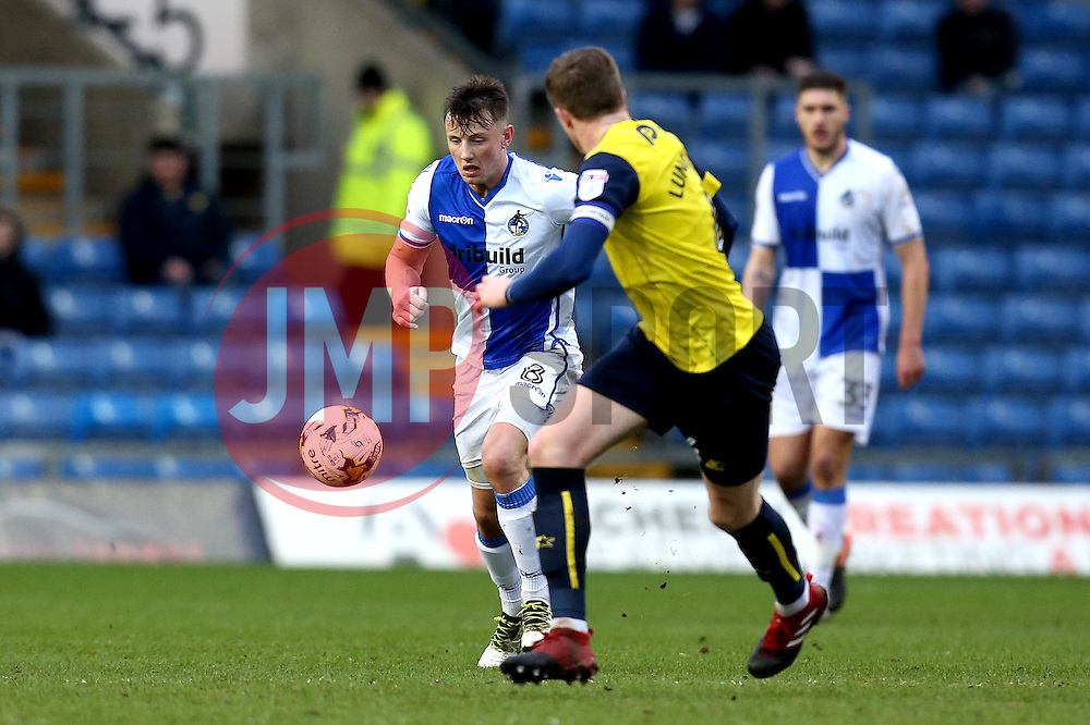 Ollie Clarke of Bristol Rovers runs with the ball - Mandatory by-line: Robbie Stephenson/JMP - 04/03/2017 - FOOTBALL - Kassam Stadium - Oxford, England - Oxford United v Bristol Rovers - Sky Bet League One