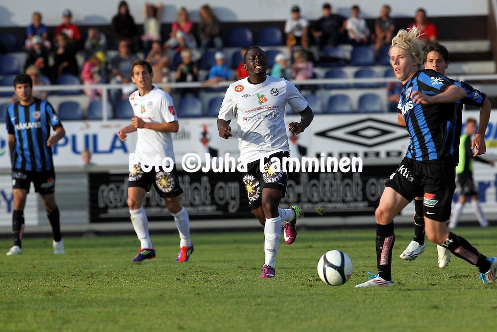 12.8.2011, Tehtaan kentt?, Valkeakoski..Veikkausliiga 2011, FC Haka - FC Inter Turku..Obi Metzger - Haka..