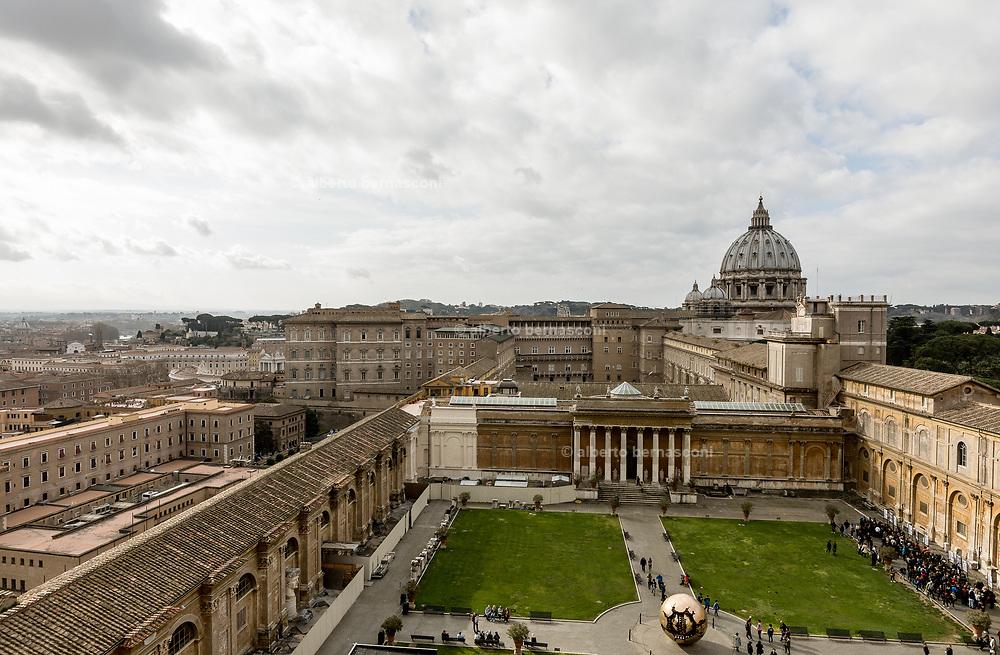 Rome, Vatican Museums, view of cortile Pigna dal Nicchione del Museo Etrusco