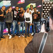 NLD/Den Haag/20160927 - Bekendmaking Dutch Act nominaties MTV EMA's, Broederliefde, Ronnie Flex en Julius Jordan worden gefotografeerd