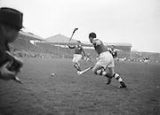 Neg No: 1000/a36109-a3625...17031956IPHCF.17.03.1956...Interprovincial Railway Cup Hurling Championship - Final...Leinster.05-11..Munster.01-07.