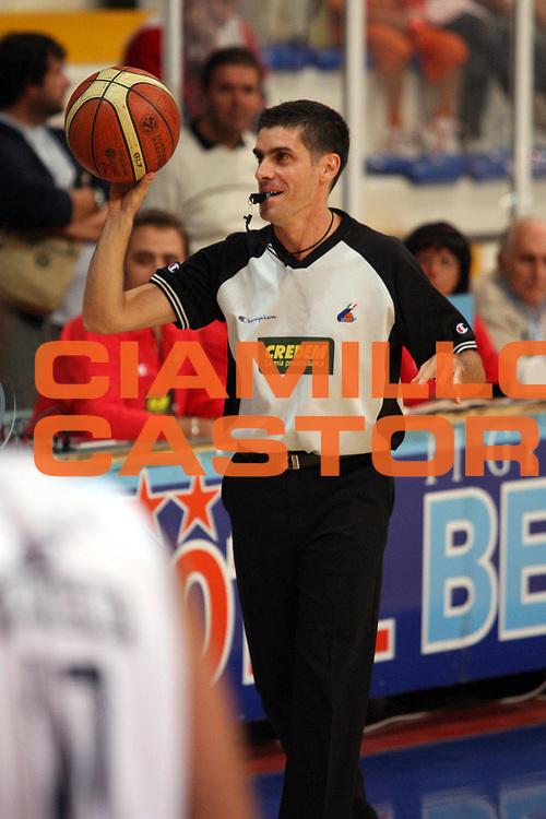 DESCRIZIONE : Roseto Precampionato Lega A1 2006 2007 Trofeo Lido delle Rose Climamio Fortitudo Bologna Maccabi Tel Aviv<br />GIOCATORE : Arbitro Sabetta<br />SQUADRA : <br />EVENTO : Precampionato Lega A1 2006 2007 Trofeo Lido delle Rose Climamio Fortitudo Bologna Maccabi Tel Aviv<br />GARA : Climamio Fortitudo Bologna Maccabi Tel Aviv<br />DATA : 29/09/2006<br />CATEGORIA : Ritratto Arbitro<br />SPORT : Pallacanestro<br />AUTORE : Agenzia Ciamillo-Castoria/G.Ciamillo