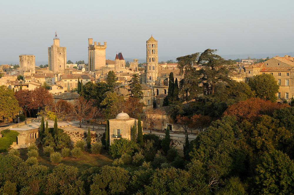 France, Languedoc Roussillon, Gard, Uzège, Uzès, vue aérienne