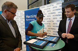 DK caption:<br /> 20141119, Herning, Danmark:<br /> Tennis Champions Battle, Pro Am i Sportscenter Herning: Unicef General Sekret&aelig;r Steen M. Andersen og Unicef Ambassad&oslash;r Serena Williams (USA) og Hernings Borgmester Lars Krarup pr&aelig;senterer Herning som UNICEF by<br /> Foto: Lars M&oslash;ller<br /> UK Caption:<br /> 20141119, Herning, Denmark:<br /> Tennis Champions Battle, Pro Am i Sportscenter Herning: Unicef General Sekret&aelig;r Steen M. Andersen og Unicef Ambassad&oslash;r Serena Williams (USA) og Hernings Borgmester Lars Krarup pr&aelig;senterer Herning som UNICEF by<br /> Photo: Lars Moeller