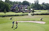 LOCHEM - Green hole 18 met clubhuis. Lochemse Golf- & Countryclub 'De Graafschap. COPYRIGHT KOEN SUYK