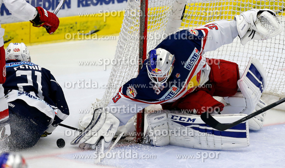 27.09.2015, Stadthalle, Villach, AUT, EBEL, EC VSV vs EC Red Bull Salzburg, 6. Runde, im Bild Benjamin Petrik (VSV) und Luka Gracnar (EC RBS) // during the Erste Bank Icehockey League 6th round match between EC VSV vs EC Red Bull Salzburg at the City Hall in Villach, Austria on 2015/09/27, EXPA Pictures © 2015, PhotoCredit: EXPA/ Oskar Hoeher