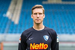 07.07.2015, Rewirpower Stadion, Bochum, GER, 2. FBL, VfL Bochum, Fototermin, im Bild Andreas Luthe (Bochum) // during the official Team and Portrait Photoshoot of German 2nd Bundesliga Club VfL Bochum at the Rewirpower Stadion in Bochum, Germany on 2015/07/07. EXPA Pictures &copy; 2015, PhotoCredit: EXPA/ Eibner-Pressefoto/ Hommes<br /> <br /> *****ATTENTION - OUT of GER*****