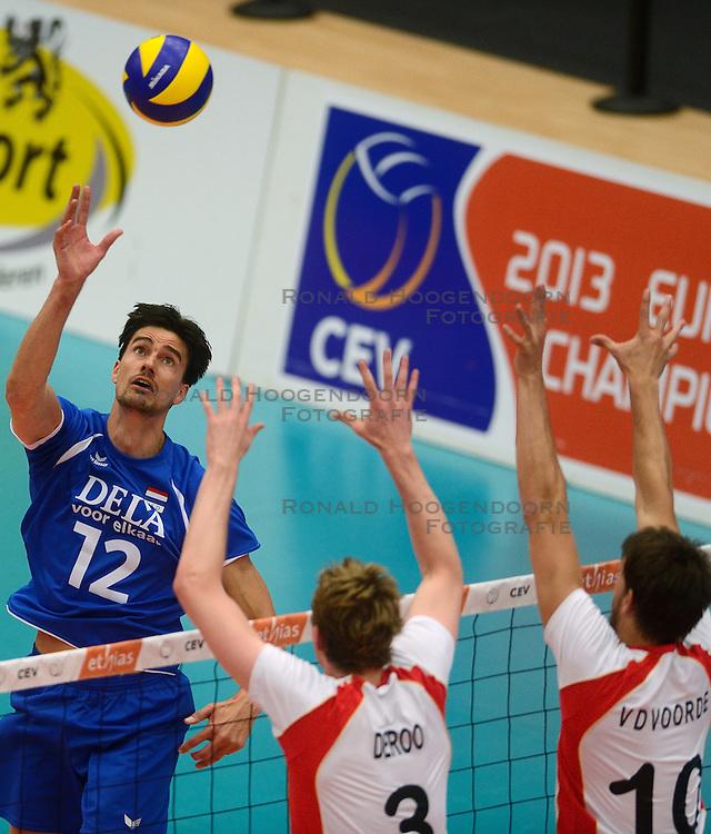 17-05-2013 VOLLEYBAL: BELGIE - NEDERLAND: KORTRIJK<br /> Nederland wint de eerste oefenwedstrijd met 3-0 van Belgie / Wytze Kooistra<br /> &copy;2013-FotoHoogendoorn.nl