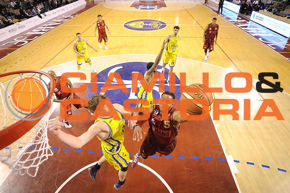 DESCRIZIONE : Ancona Lega A 2011-12 Fabi Shoes Montegranaro Umana Venezia<br /> GIOCATORE : Keydren Clark<br /> CATEGORIA : tiro special<br /> SQUADRA : Umana Venezia<br /> EVENTO : Campionato Lega A 2011-2012<br /> GARA : Fabi Shoes Montegranaro Umana Venezia<br /> DATA : 13/03/2012<br /> SPORT : Pallacanestro<br /> AUTORE : Agenzia Ciamillo-Castoria/C.De Massis<br /> Galleria : Lega Basket A 2011-2012<br /> Fotonotizia : Ancona Lega A 2011-12 Fabi Shoes Montegranaro Umana Venezia<br /> Predefinita :