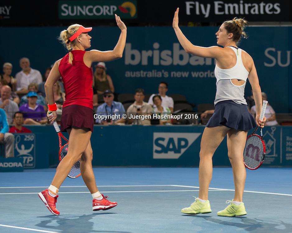 Andrea Petkovic und Angelique Kerber klatschen ab , Doppel Finale<br /> <br /> Tennis - Brisbane International  2016 - WTA -  Queensland Tennis Centre - Brisbane - QLD - Australia  - 9 January 2016. <br /> &copy; Juergen Hasenkopf