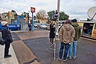 Roma  21 Dicembre 2012.Metro B bloccata. A Castro Pretorio autobus sostitutivi.La diretta televisiva di SKY TG24.Metro B locked. A Castro Praetorian, bus replacement.The live broadcast of SKY TG24