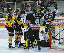 30.01.2015, Albert Schultz Eishalle, Wien, AUT, EBEL, UPC Vienna Capitals vs Dornbirner Eishockey Club, 43. Runde, im Bild Brett Carson (UPC Vienna Capitals) , Jonathan Ferland (UPC Vienna Capitals) , Guillaume Desbiens (Dornbirner Eishockey Club) , Ryan Kinasewich (Dornbirner Eishockey Club) und Matt Zaba (UPC Vienna Capitals) // during the Erste Bank Icehockey League 43th round match between UPC Vienna Capitals and Dornbirner Eishockey Club at the Albert Schultz Ice Arena in Vienna, Austria on 2015/01/30. EXPA Pictures © 2015, PhotoCredit: EXPA/ Alexander Forst