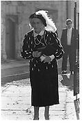 Lady Bindy Lambton, Wedding Lady Sophia Vane Tempert Stewart/Jonathan Pilkington, St Andrews, Wells 24.10.87© Copyright Photograph by Dafydd Jones 66 Stockwell Park Rd. London SW9 0DA Tel 020 7733 0108 www.dafjones.com