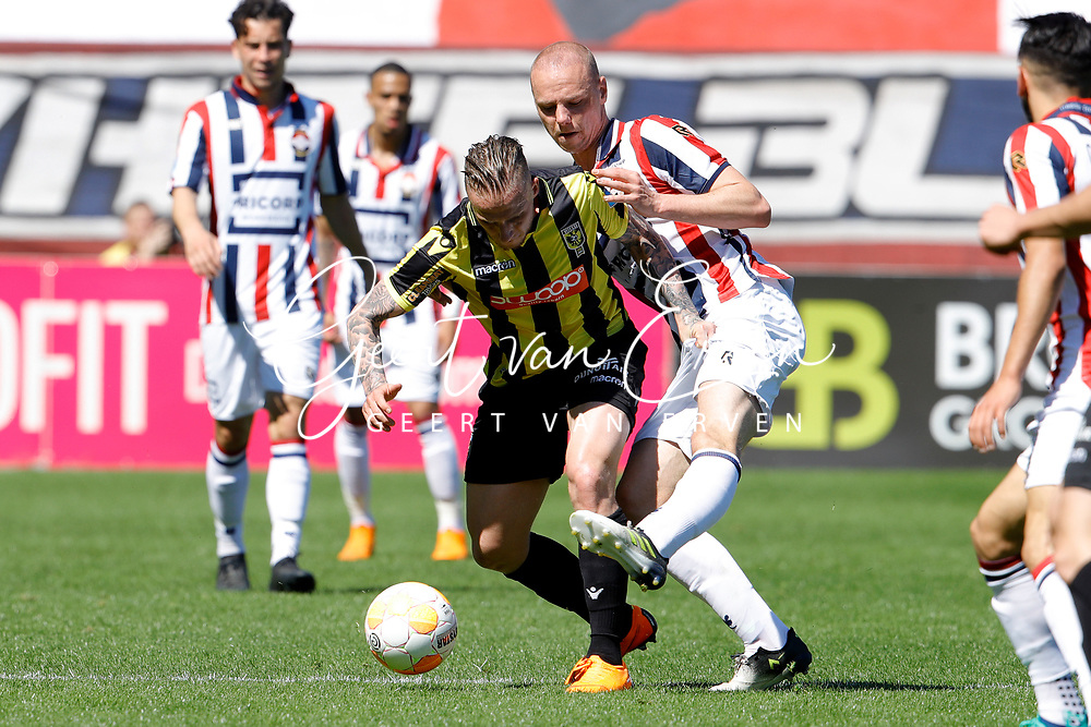 (L-R) *Alexander Buttner* of Vitesse, *Elmo Lieftink* of Willem II