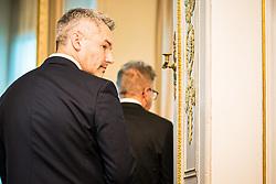 15.01.2020, Bundeskanzleramt, Wien, AUT, Bundesregierung, Pressefoyer nach Sitzung des Ministerrats, im Bild Karl Nehammer (OeVP)// during media briefing after cabinet meeting at the federal chancellery in Vienna, Austria on 2020/01/15. EXPA Pictures © 2020, PhotoCredit: EXPA/ Florian Schroetter