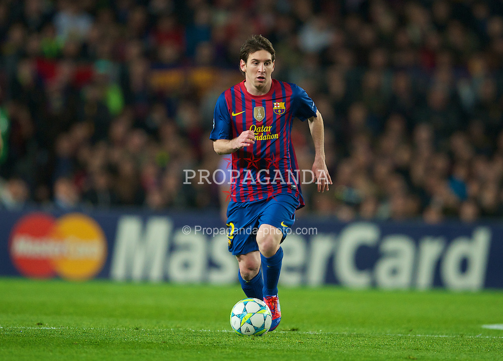 BARCELONA, SPAIN - Tuesday, April 24, 2012: FC Barcelona's Lionel Messi in action against Chelsea during the UEFA Champions League Semi-Final 2nd Leg match at the Camp Nou. (Pic by David Rawcliffe/Propaganda)