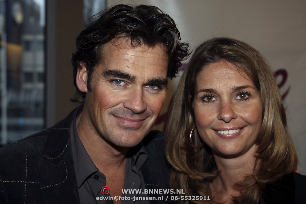 NLD/Tilburg/20080120 - Premiere musical Fame, Jeroen van der Boom en partner Dany de Wit