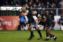 Tom Dunn of Bath Rugby receives the ball - Mandatory byline: Patrick Khachfe/JMP - 07966 386802 - 06/12/2019 - RUGBY UNION - The Recreation Ground - Bath, England - Bath Rugby v Clermont Auvergne - Heineken Champions Cup