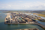 Nederland, Noord-Holland, Amsterdam, 16-04-2008; het Haveneiland van IJburg, bouwblokken in nieuwe woonwijk op de omstreden lokatie in het IJmeer..luchtfoto (toeslag); aerial photo (additional fee required); .foto Siebe Swart / photo Siebe Swart