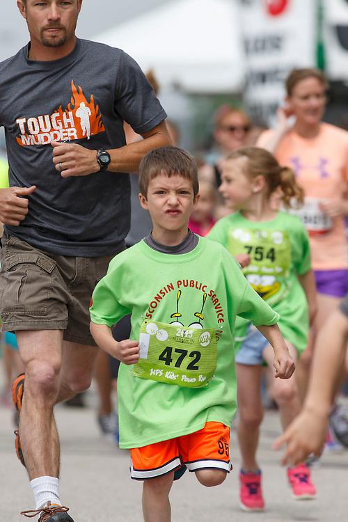 Cellcom Green Bay Marathon  Kids Run 2015.  Photo by Mike Roemer