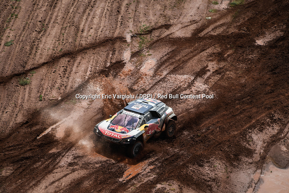 Carlos Sainz and Lucas Cruz in the Peugeot 3008 DKR Maxi of the Team Peugeot Total navigating in the mountain during stage 7 of the Dakar Rally, between La Paz and Uyuni, Bolivia, on January 13, 2018. // Eric Vargiolu / DPPI / Red Bull Content Pool // P-20180114-00033 // Usage for editorial use only // Please go to www.redbullcontentpool.com for further information. //