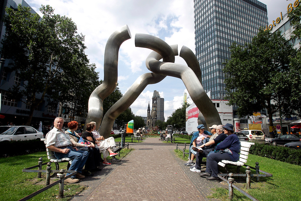 GERMANY - BERLIN - A work of art called Berlin on the Kurfu?rstendamm. PHOTO GERRIT DE HEUS