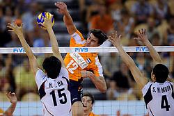 09-07-2010 VOLLEYBAL: WLV NEDERLAND - ZUID KOREA: EINDHOVEN<br /> Nederland verslaat Zuid Korea met 3-1 /  Wytze Kooistra <br /> ©2010-WWW.FOTOHOOGENDOORN.NL