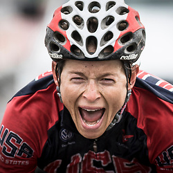 TIEL (NED) wielrennen<br /> American Lauren Hall wins the 3th stage of the Holland Ladies Tour from Tiel to Tiel. In a sprint with two she beats Italian Martha Bastianelli