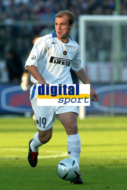 Firenze 07-11-2004<br /> Campionato  Serie A Tim 2004-2005<br /> Fiorentina Inter<br /> nella  foto Cambiasso Esteban Matias<br /> Foto Snapshot / Graffiti