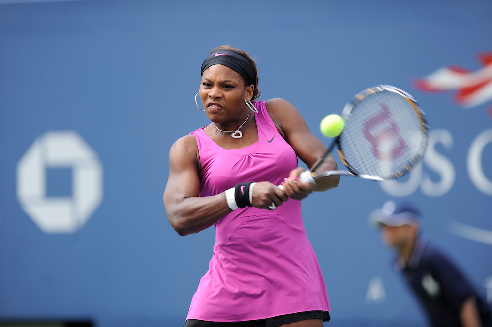 NEW YORK - AUGUST 31: Serena Williams returns a ball to Alexa Glatch during day one of the 2009 U.S. Open at the USTA Billie Jean King National Tennis Center on August 31, 2009 in Flushing neighborhood of the Queens borough of New York City. (Photo by Rob Tringali) *** Local Caption *** Serena Williams